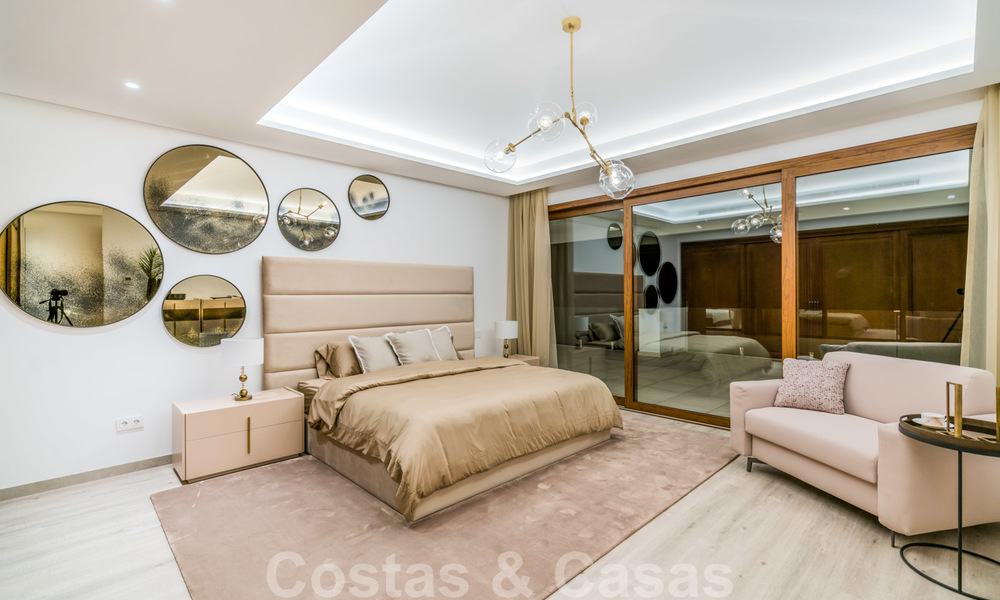 Move in ready, modern beachside villa for sale in the prestigious Guadalmina Baja in Marbella 26100