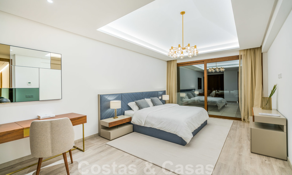 Move in ready, modern beachside villa for sale in the prestigious Guadalmina Baja in Marbella 26101