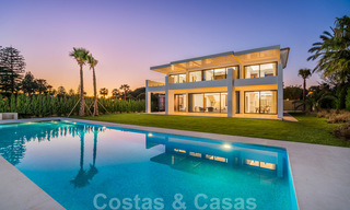 Move in ready, modern beachside villa for sale in the prestigious Guadalmina Baja in Marbella 26103