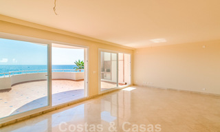 Penthouse apartment for sale, first line beach with panoramic sea view in Estepona 26191