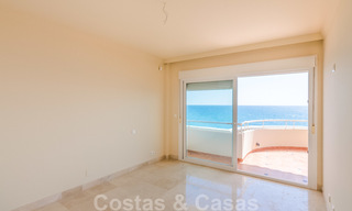 Penthouse apartment for sale, first line beach with panoramic sea view in Estepona 26193