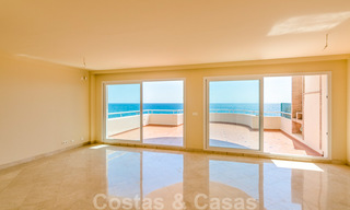 Penthouse apartment for sale, first line beach with panoramic sea view in Estepona 26196