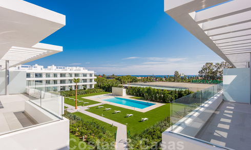 Modern penthouse apartment for sale on the New Golden Mile, between Marbella and Estepona, within walking distance to supermarkets and the beach 26363