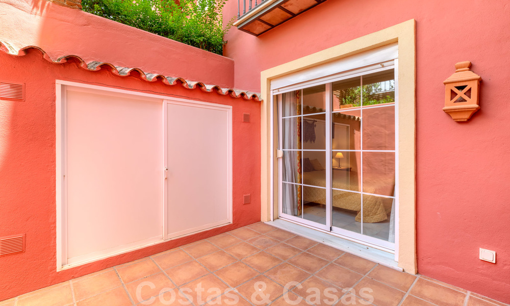 Spacious apartment with a large terrace and private garden with panoramic views of the coast and the sea in Benahavis - Marbella 27103