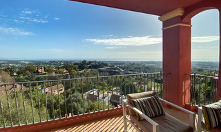Ready to move into, spacious apartment with panoramic views of the coast and the Mediterranean Sea in Benahavis - Marbella 27340