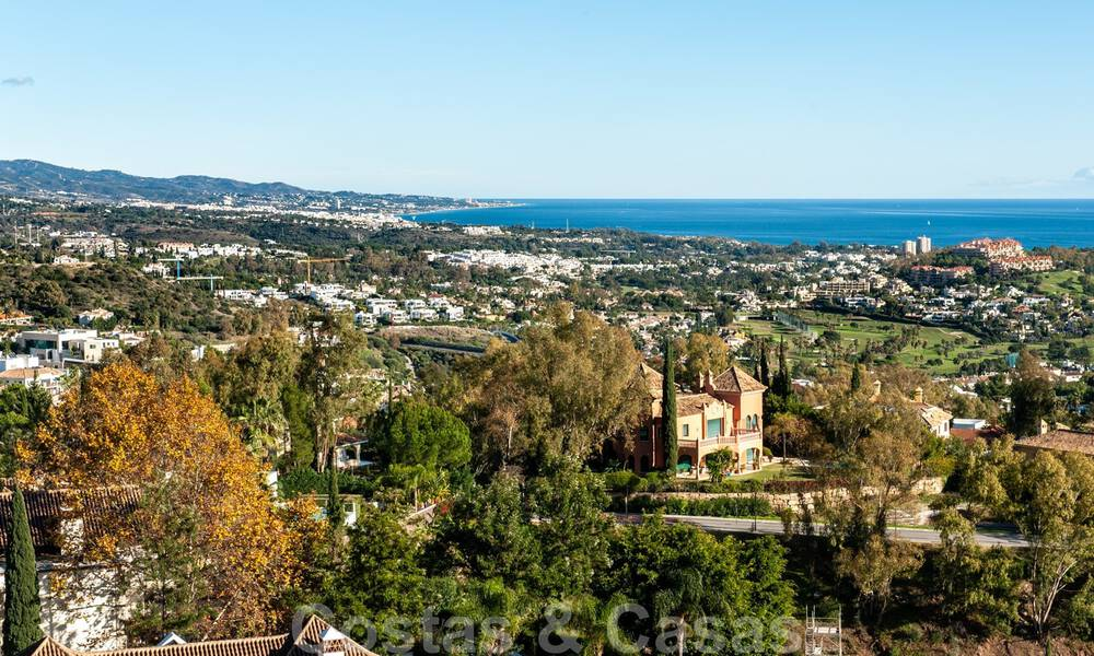 Ready to move into, spacious apartment with panoramic views of the coast and the Mediterranean Sea in Benahavis - Marbella 31025