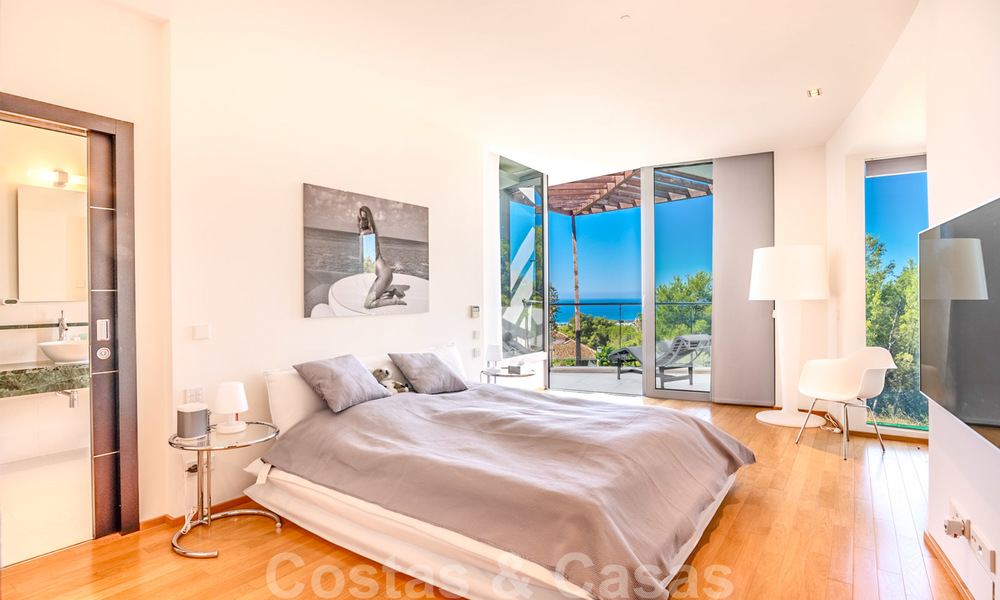 Modern luxury corner house with sea view for sale in the exclusive Sierra Blanca, Marbella 27136