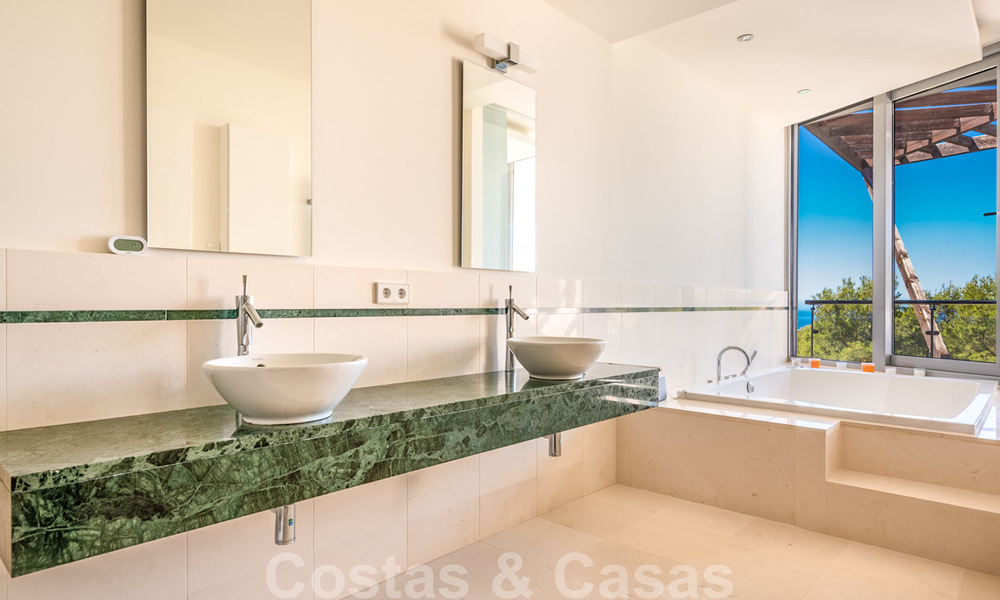 Modern luxury corner house with sea view for sale in the exclusive Sierra Blanca, Marbella 27138