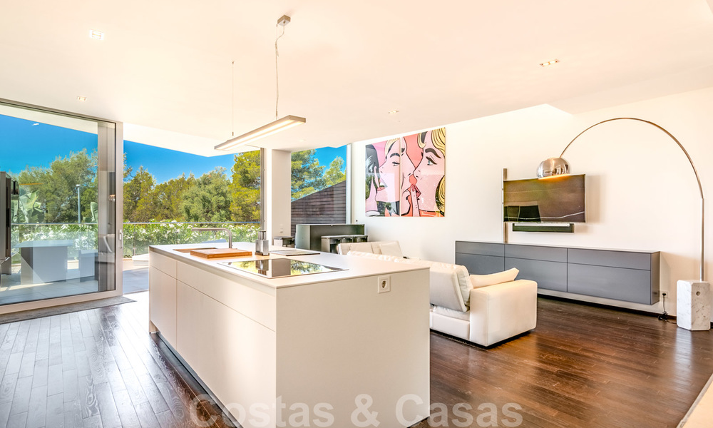 Modern luxury corner house with sea view for sale in the exclusive Sierra Blanca, Marbella 27144