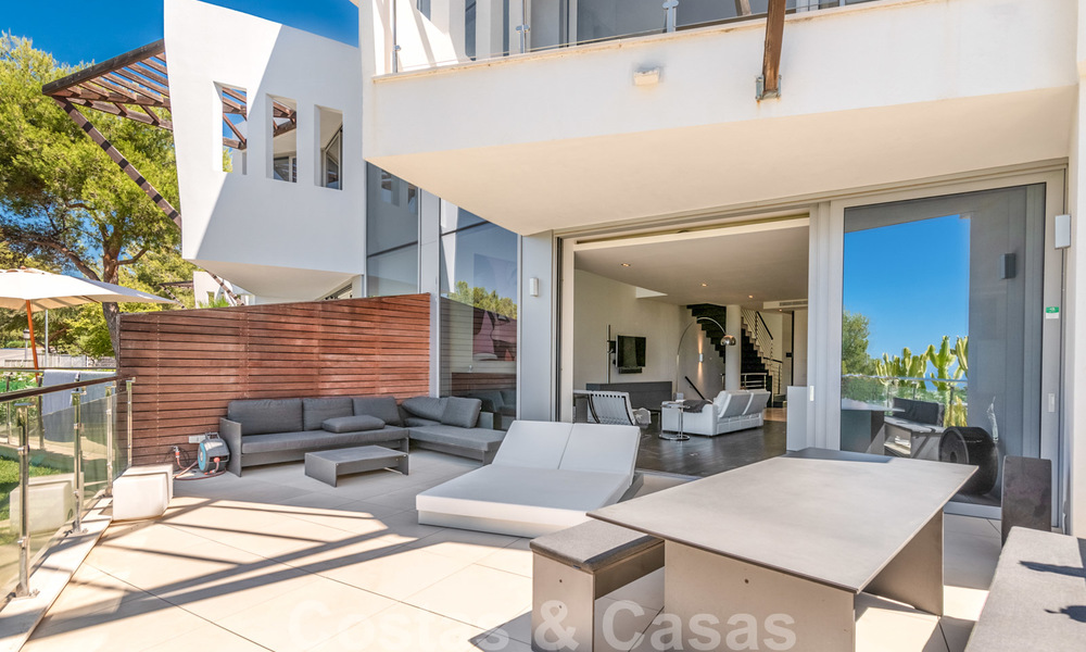Modern luxury corner house with sea view for sale in the exclusive Sierra Blanca, Marbella 27154