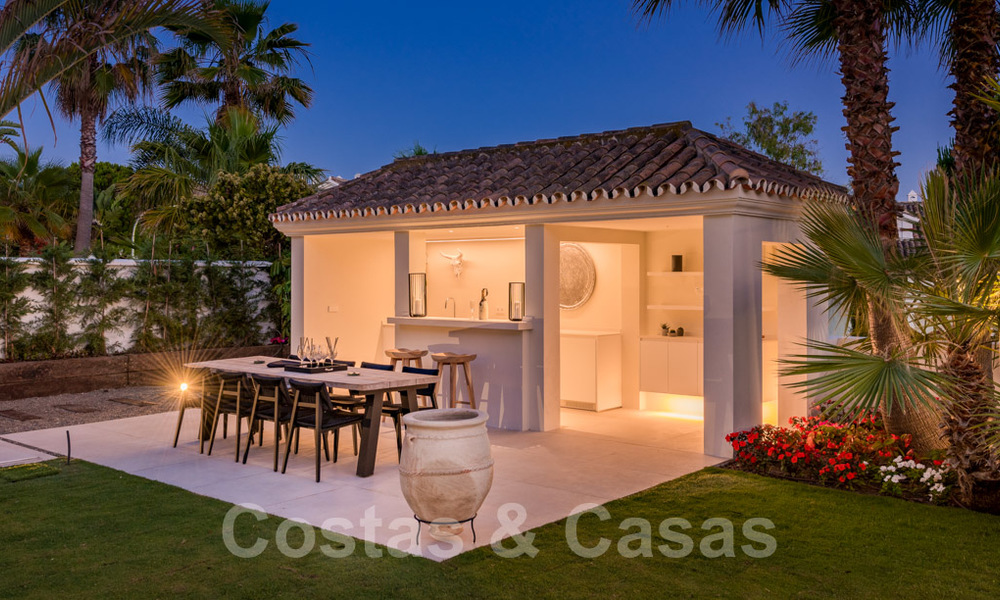 Ready to move in contemporary Mediterranean villa with sea views for sale at a short walking distance to the beach and all amenities, beach side Elviria in Marbella 27538
