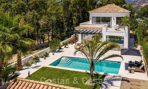 Ready to move in contemporary Mediterranean villa with sea views for sale at a short walking distance to the beach and all amenities, beach side Elviria in Marbella 27543