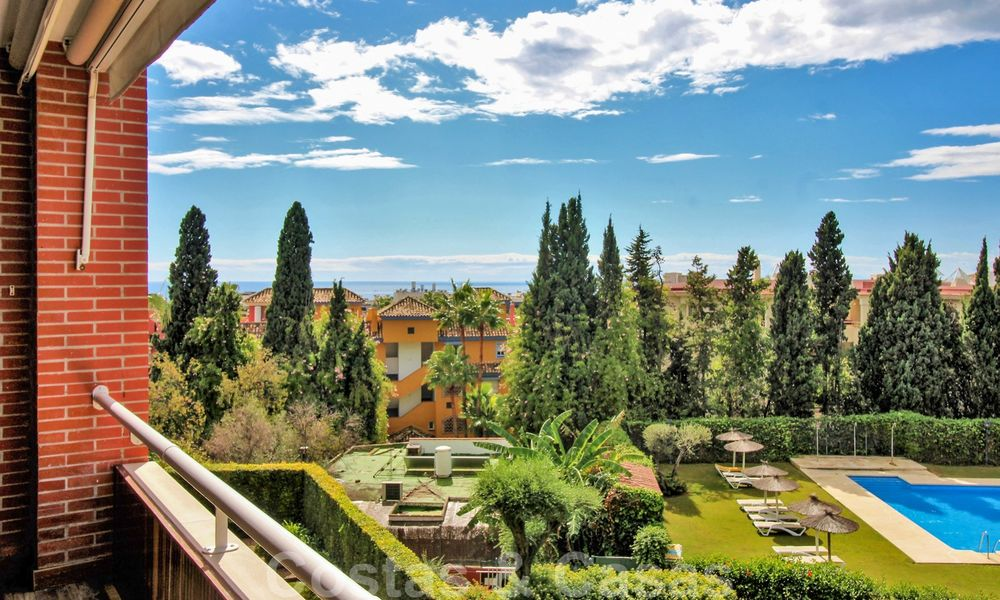 5-bedroom penthouse apartment for sale on the Golden Mile, short stroll to the beach and Marbella town 27640