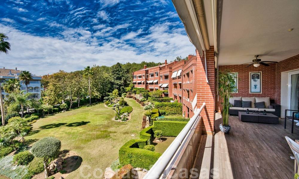 5-bedroom penthouse apartment for sale on the Golden Mile, short stroll to the beach and Marbella town 27649