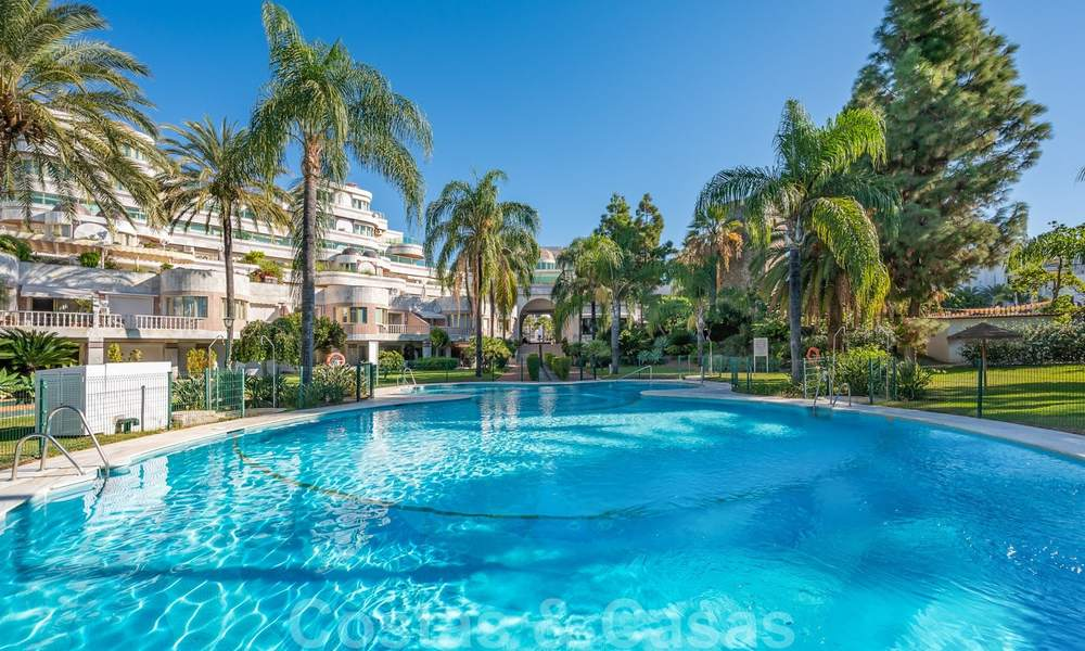 Renovated flat for sale in the iconic first line beach complex Gray D'Albion in Puerto Banus, Marbella 28342