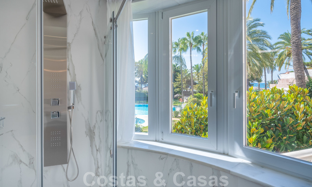 Renovated flat for sale in the iconic first line beach complex Gray D'Albion in Puerto Banus, Marbella 28362