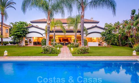 Spectacular elegant beachside mansion for sale in west Marbella 29429