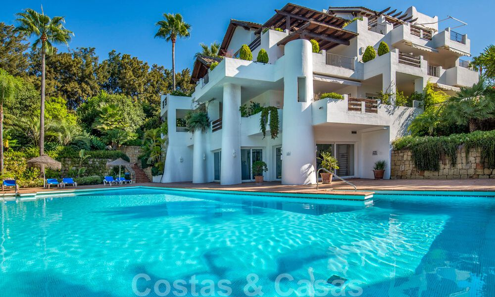 Spacious luxury corner apartment for sale in frontline beach complex within walking distance of Estepona centre 29663