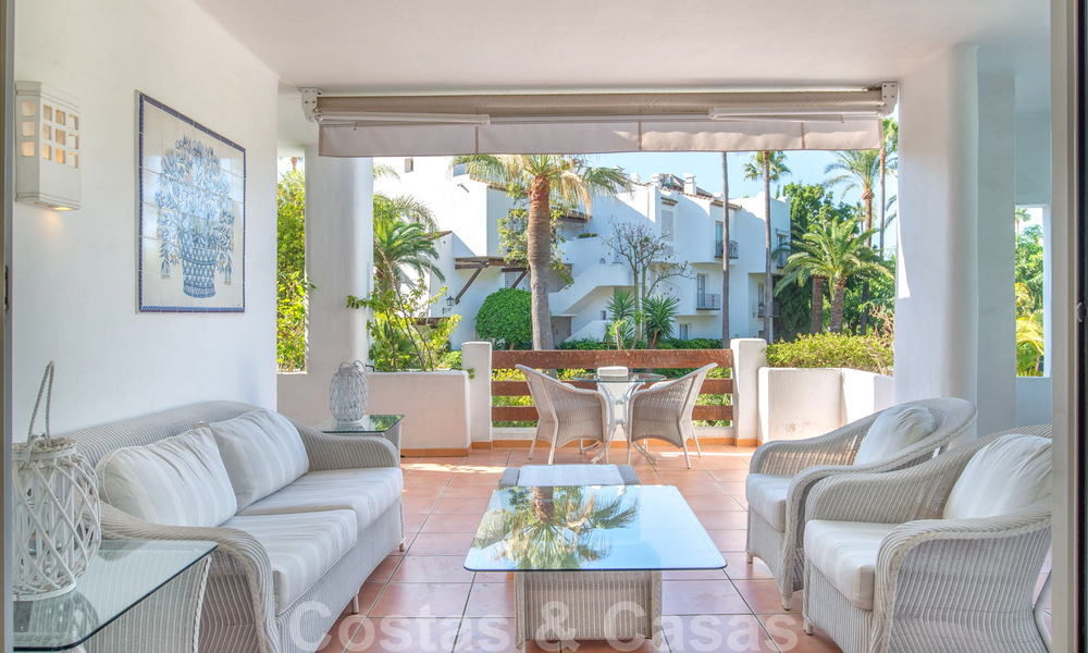 Spacious luxury corner apartment for sale in frontline beach complex within walking distance of Estepona centre 29677