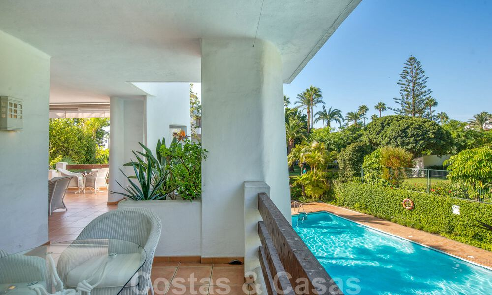 Spacious luxury corner apartment for sale in frontline beach complex within walking distance of Estepona centre 29680