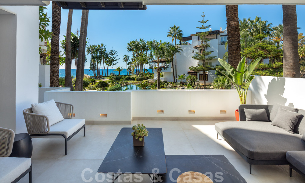 Luxurious fully renovated apartment with stunning sea views for sale in Puente Romano - Golden Mile, Marbella 29903