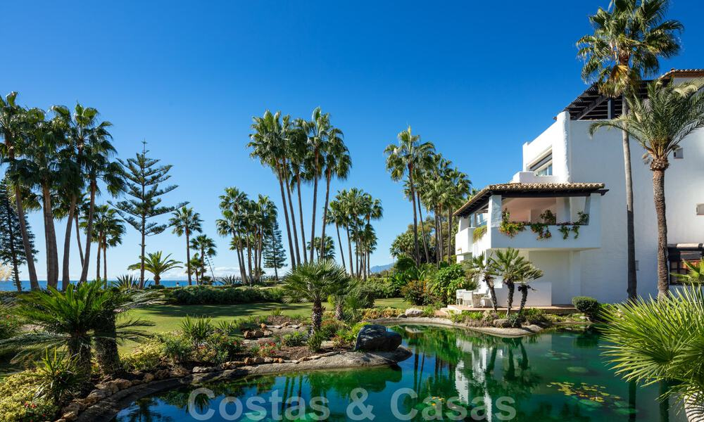 Luxurious fully renovated apartment with stunning sea views for sale in Puente Romano - Golden Mile, Marbella 29905