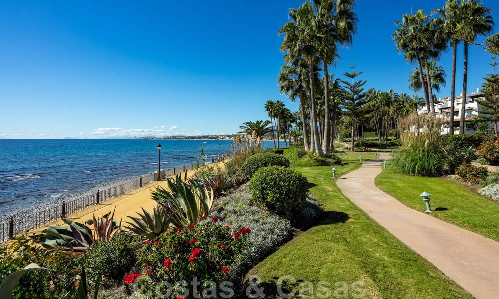 Luxurious fully renovated apartment with stunning sea views for sale in Puente Romano - Golden Mile, Marbella 29906