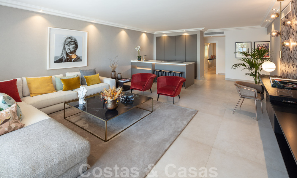 Luxurious fully renovated apartment with stunning sea views for sale in Puente Romano - Golden Mile, Marbella 29916