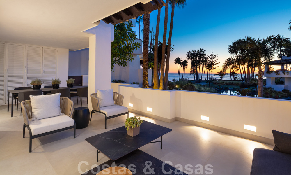 Luxurious fully renovated apartment with stunning sea views for sale in Puente Romano - Golden Mile, Marbella 29921