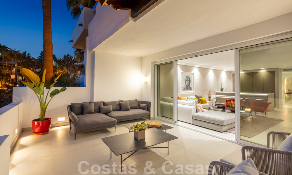 Luxurious fully renovated apartment with stunning sea views for sale in Puente Romano - Golden Mile, Marbella 29922