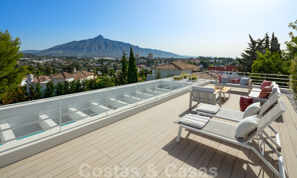 Elegant new built villa for sale with beautiful views of the La Concha mountain in Nueva Andalucia - Marbella 30059
