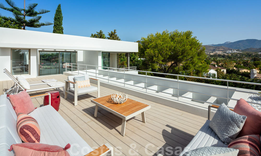 Elegant new built villa for sale with beautiful views of the La Concha mountain in Nueva Andalucia - Marbella 30060