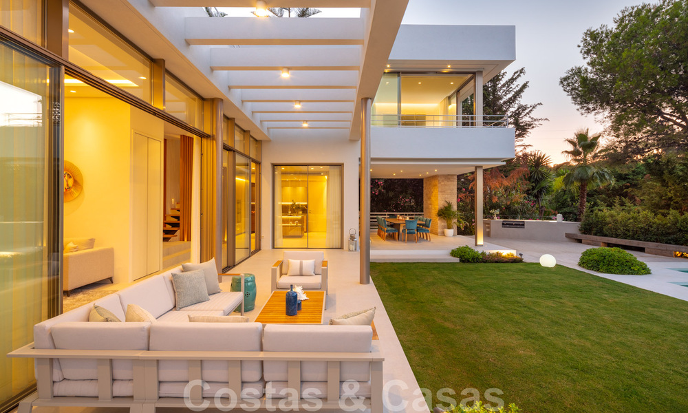 Elegant new built villa for sale with beautiful views of the La Concha mountain in Nueva Andalucia - Marbella 30075