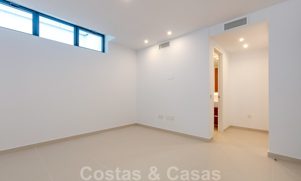 Brand New modern Villa for sale on the Golden Mile, Marbella. Special discount until 31/12! 30238