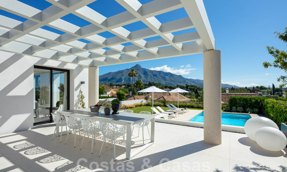 Stylish renovated villa for sale with beautiful views of the mountain range in Nueva Andalucia - Marbella, walking distance to amenities 30287