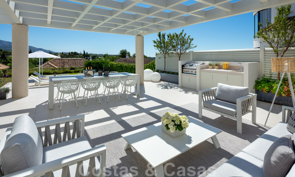 Stylish renovated villa for sale with beautiful views of the mountain range in Nueva Andalucia - Marbella, walking distance to amenities 30289