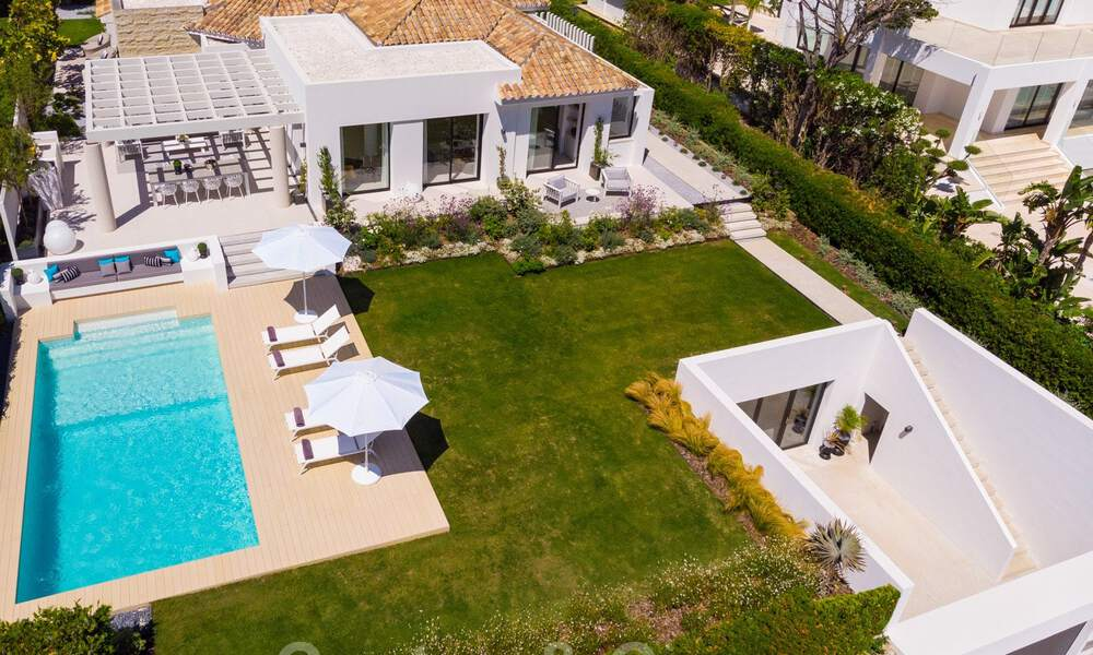 Stylish renovated villa for sale with beautiful views of the mountain range in Nueva Andalucia - Marbella, walking distance to amenities 30294