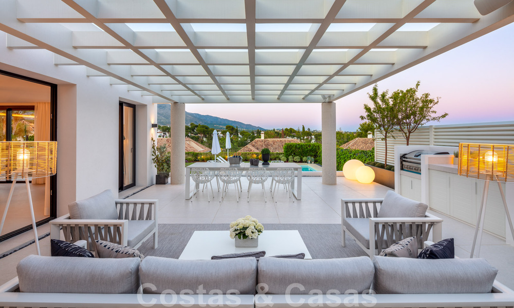 Stylish renovated villa for sale with beautiful views of the mountain range in Nueva Andalucia - Marbella, walking distance to amenities 30309