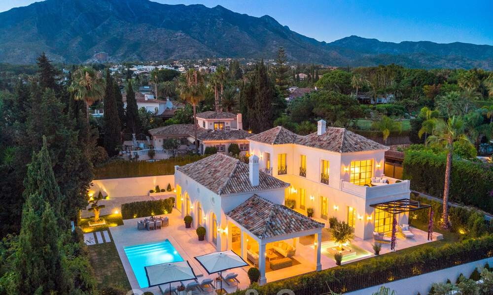 2 Elegant top quality new luxury villas for sale in a classic and Provencal style above the Golden Mile in Marbella 30487