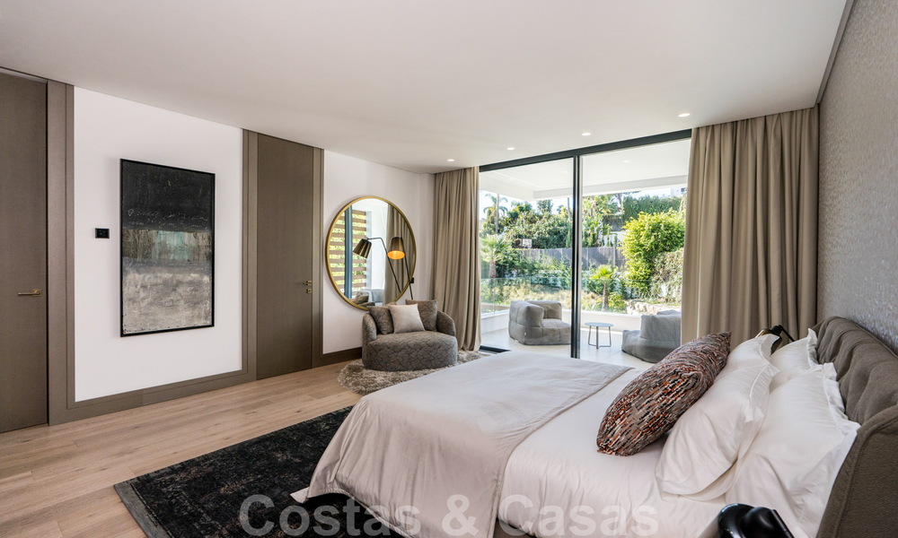 Ready to move in modern villa for sale within walking distance to amenities and Puerto Banus in Nueva Andalucia, Marbella 30696