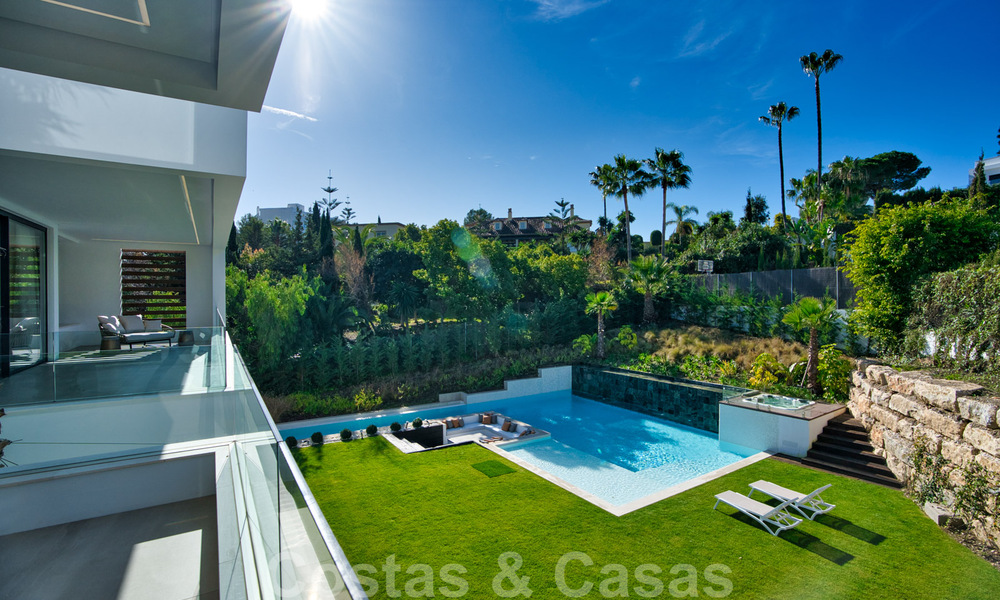 Ready to move in modern villa for sale within walking distance to amenities and Puerto Banus in Nueva Andalucia, Marbella 30697