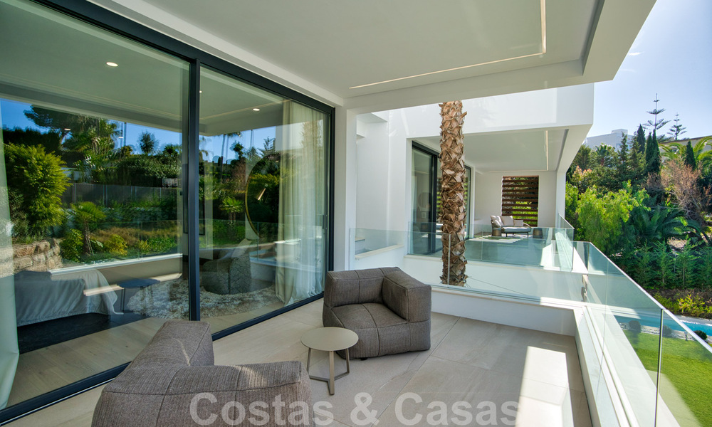 Ready to move in modern villa for sale within walking distance to amenities and Puerto Banus in Nueva Andalucia, Marbella 30698