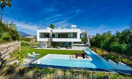 Ready to move in modern villa for sale within walking distance to amenities and Puerto Banus in Nueva Andalucia, Marbella 30702