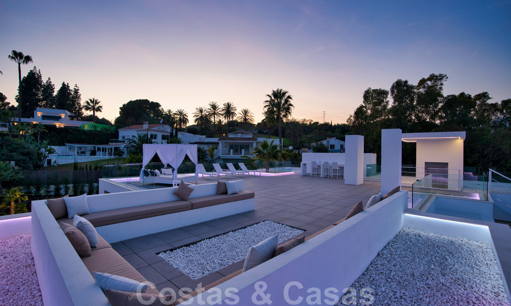 Ready to move in modern villa for sale within walking distance to amenities and Puerto Banus in Nueva Andalucia, Marbella 30707