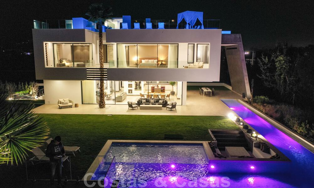 Ready to move in modern villa for sale within walking distance to amenities and Puerto Banus in Nueva Andalucia, Marbella 30713