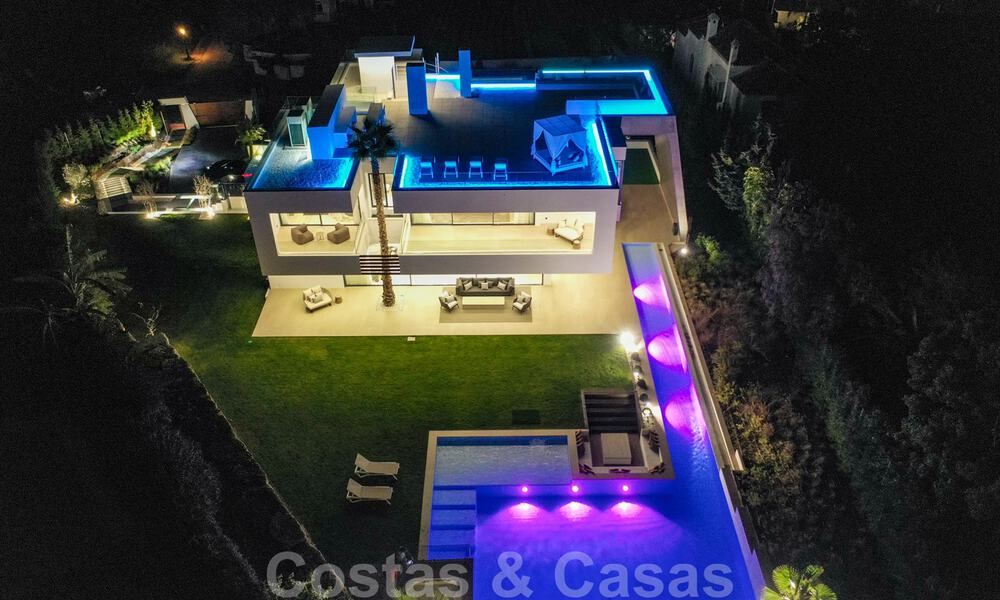 Ready to move in modern villa for sale within walking distance to amenities and Puerto Banus in Nueva Andalucia, Marbella 30714