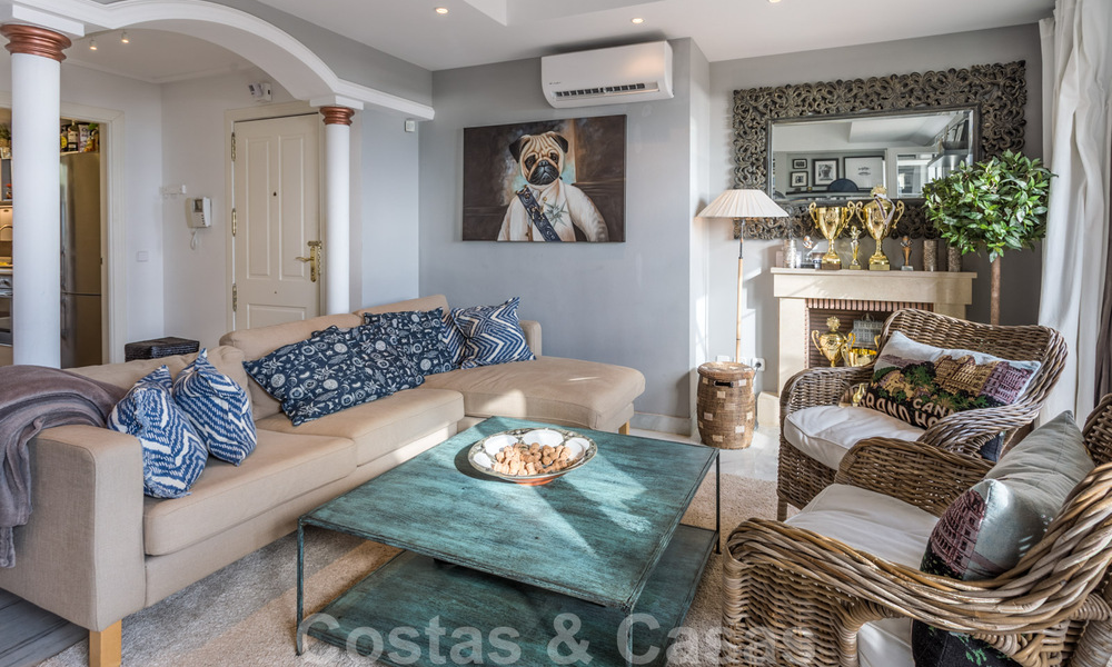 Renovated penthouse apartment for sale with sea views and within walking distance to all amenities and Puerto Banus in Nueva Andalucia, Marbella 31177
