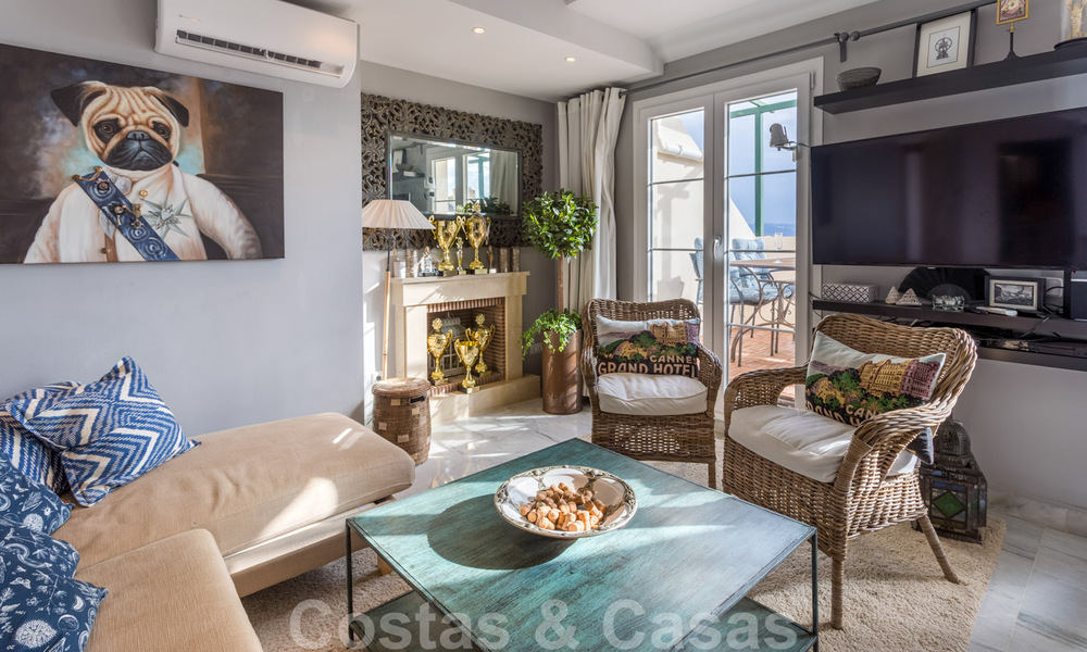 Renovated penthouse apartment for sale with sea views and within walking distance to all amenities and Puerto Banus in Nueva Andalucia, Marbella 31179