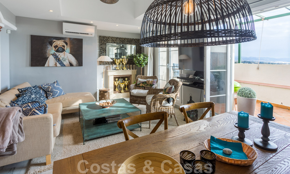 Renovated penthouse apartment for sale with sea views and within walking distance to all amenities and Puerto Banus in Nueva Andalucia, Marbella 31180