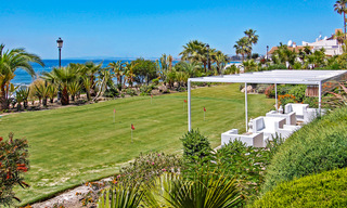 Exclusive apartment for sale with sea views in a frontline beach complex on the New Golden Mile, Marbella - Estepona 30943